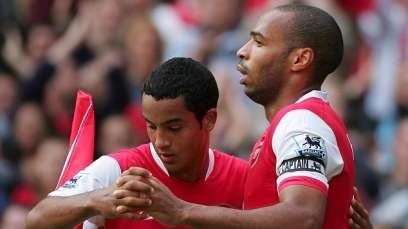 Theo-Walcott-and-Theirry-Henry