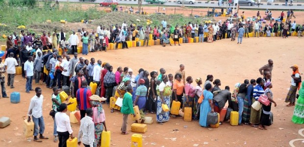 kerosene-queue_In-Nigeria