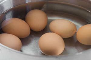 How to make and peel perfect boiled eggs