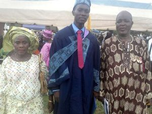 Arowosegbe-Micheal-Aderibigbe-with-his-parents-Mr-and-Mrs-Aderibigbe